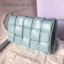 BV 9877-001 原單 Cassette小牛皮枕頭包