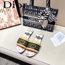 Dior-09  代購頂級春夏膠囊系列立體刺繡度假平底字母拖