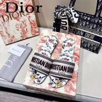 Dior-06  代購頂級春夏膠囊系列立體刺繡度假平底字母拖