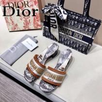 Dior-01  代購頂級春夏膠囊系列立體刺繡度假字母拖