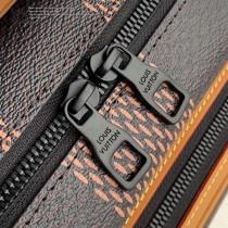 M55455-001 原版皮最新2020秋系冬列郵差包