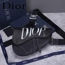 迪奧 原版皮 Dior 新字母黑男生馬鞍包 胸包斜背包