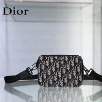 Dior homme老花相機包