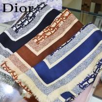 Dior最新的專櫃主打款D字母鎖邊140大方巾