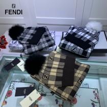 FENDI芬迪官網最新羊毛針織帽子圍巾套裝