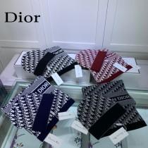迪奧Dior 加厚保暖羊絨雙面套裝帽子 經典套裝帽子圍巾