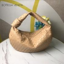 BV 寶緹嘉 6698-01  原單手工編織羊皮牛角包