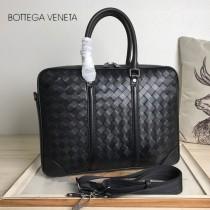 BV 寶緹嘉 B32888  原單手工編織新款男士新品MESSENGER BAG黑色編織BV公文包