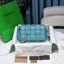 BV 6688-012 寶緹嘉原單Cassette枕頭包