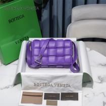 BV 6688-020 寶緹嘉原單Cassette枕頭包