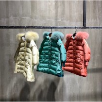 Moncler蒙口 專櫃超可愛中長款三色毛領女童羽絨服