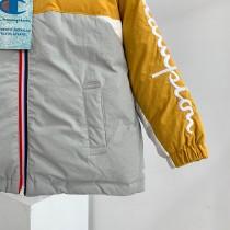 冠軍Champion童裝羽絨服 尺碼:110-150 後背的大LOGO刺繡