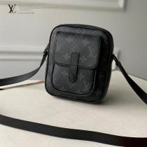 LV 原版皮  M69404-02  WEARABLE WALLET系列男女同款斜背包相機包