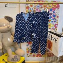 LV早春新款原單版本開衫件套—長袖長褲睡衣
