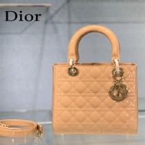 Dior-02  迪奧 Lady Dior 漆皮五格菱格中號戴妃包