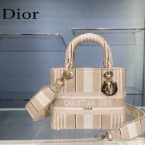 Dior-01  迪奧原單五格刺繡戴妃包  通體飾以本季標誌性的Tie