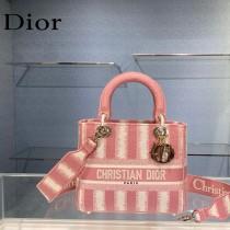 Dior-02  迪奧原單五格刺繡戴妃包  通體飾以本季標誌性的Tie