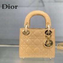 Dior-04  迪奧 Lady Dior 小号漆皮四格菱格戴妃包