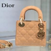 Dior-03  迪奧 Lady Dior 小号漆皮四格菱格戴妃包