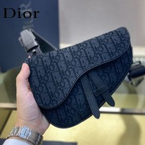 Dior-02  迪奧原版皮新款Dio Saddle Bag 迪20新款老花藍馬鞍包腰包胸包